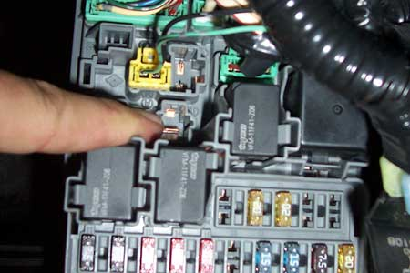 Honda Civic 2005 Fuse Box on 2003 honda accord coupe fuse box diagram